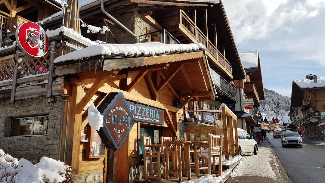 Pizzeria, street scene in Châtel, French Alps, Portes du Soleil.