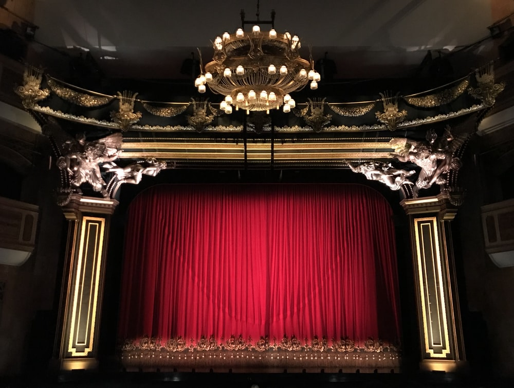 red curtain stage