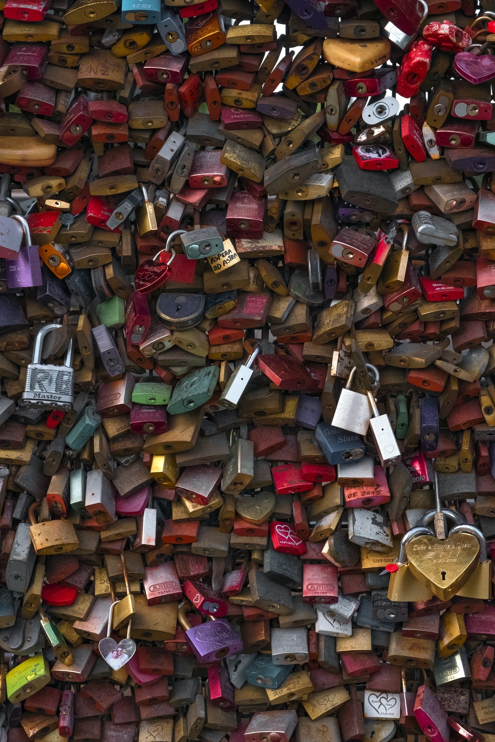 pile of assorted-color padlock lot