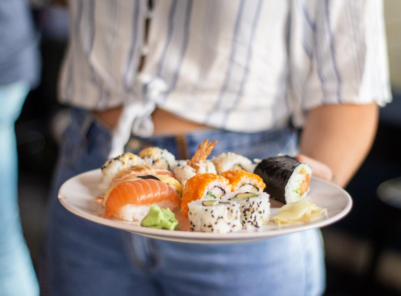 百元爽吃生魚片!台中「新光黃昏市場」好吃又好逛,6大銅板美食必收
