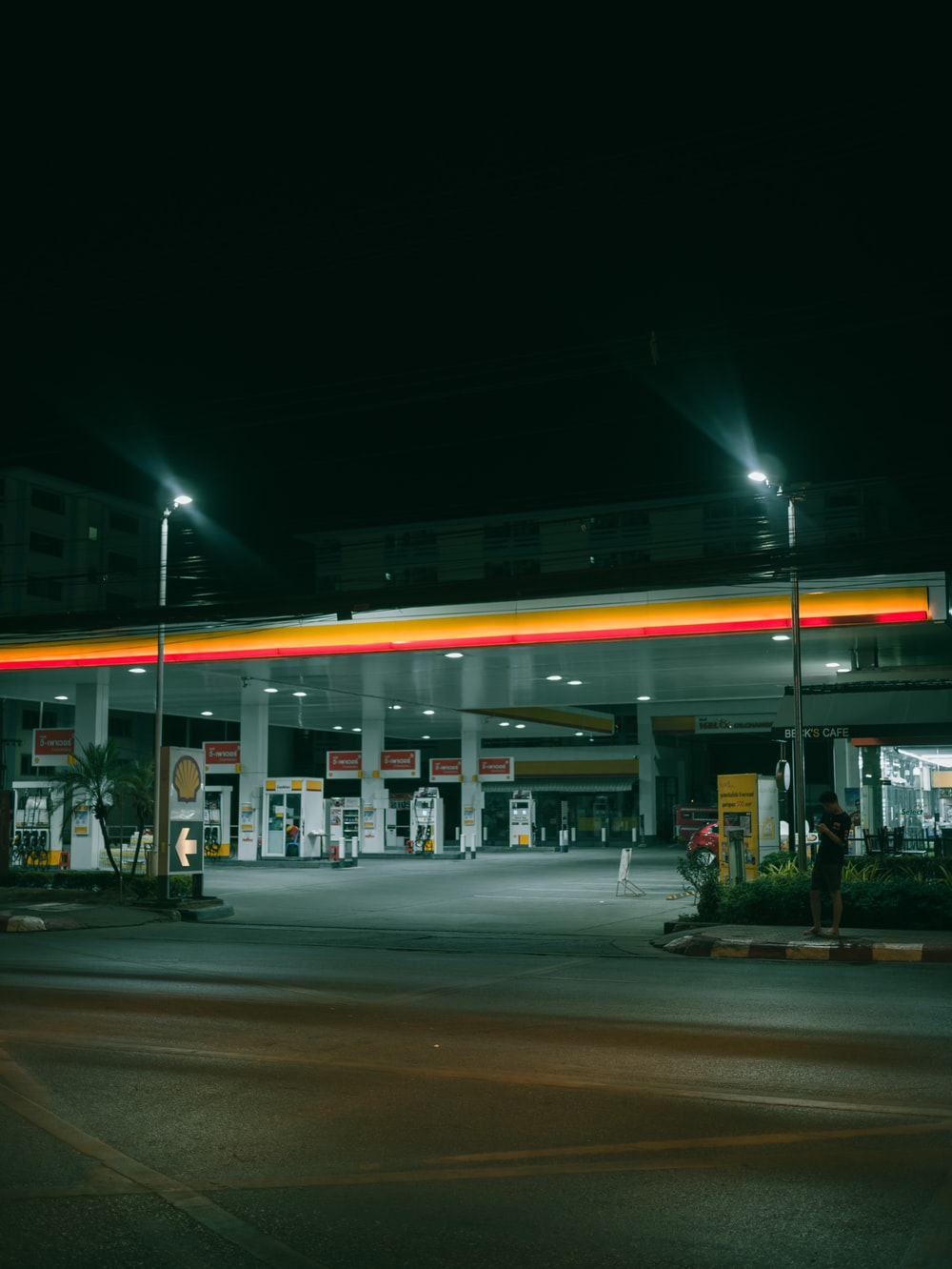 lamp posts near gasoline station