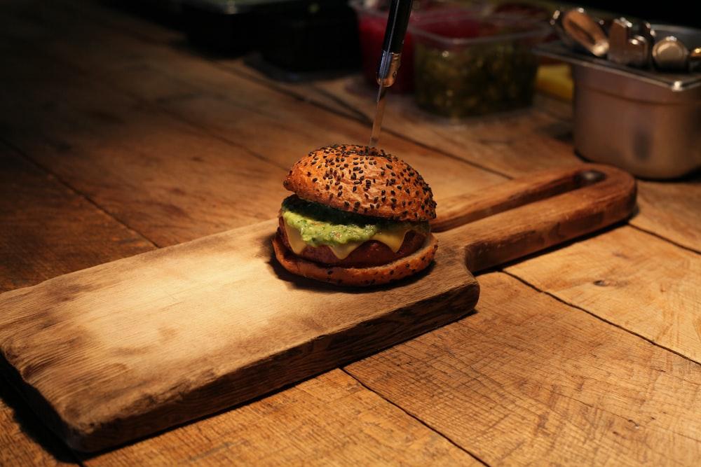 selective-focus photography of burger