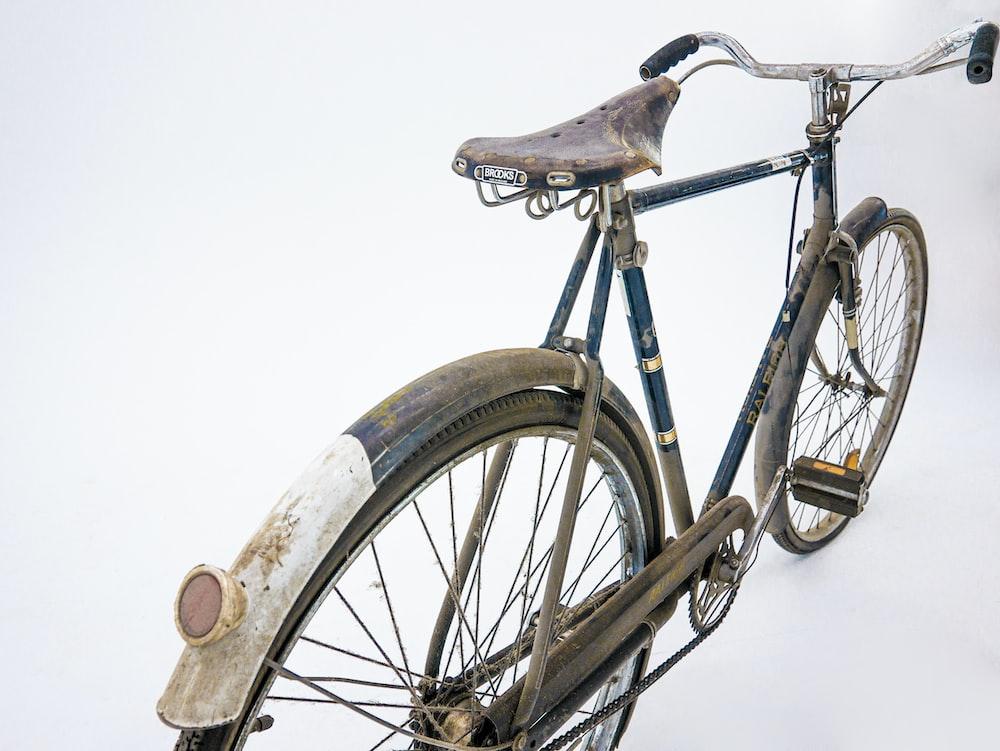 blue commuter bike