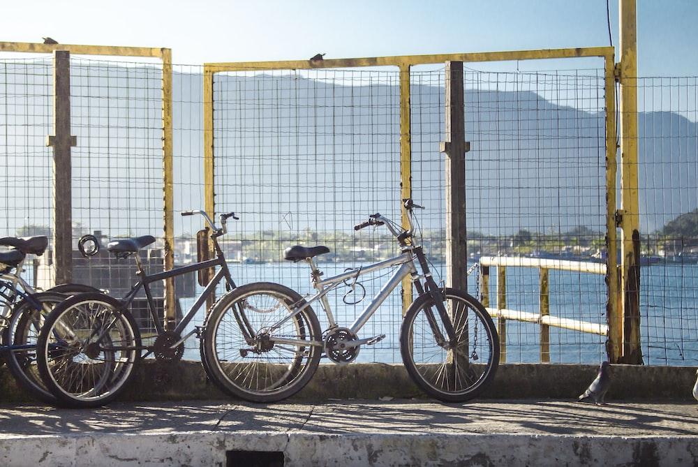 white hardtail mountain bike parked
