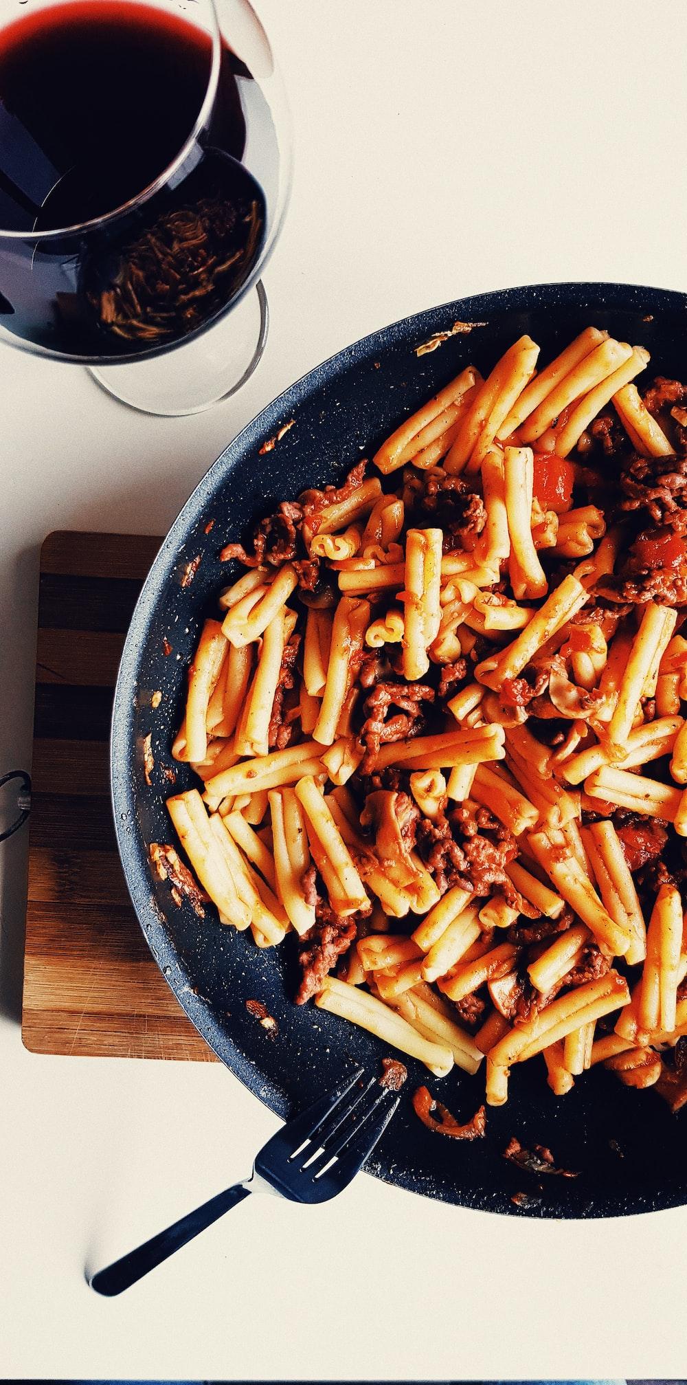 black cooking pan