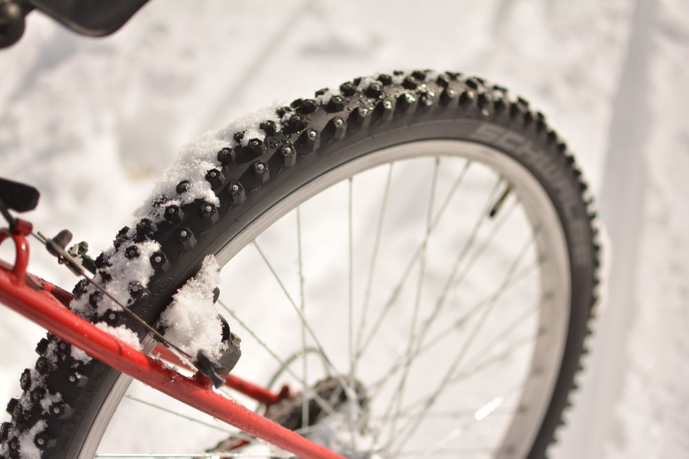 gray bicycle wheel with tire