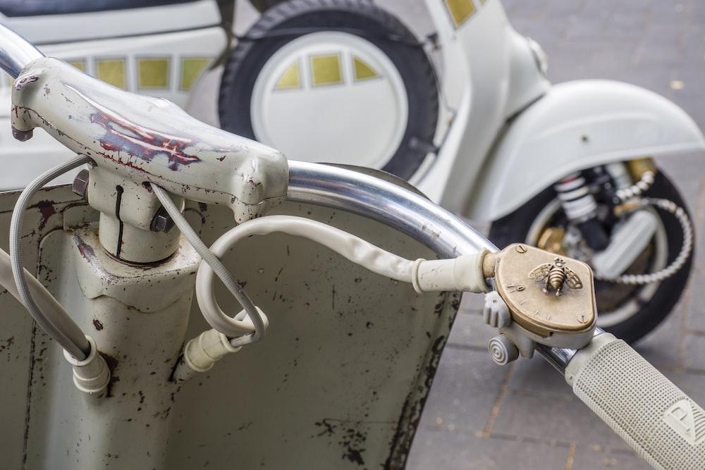 grey motor scooter
