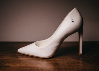 white leather pointed toe stiletto