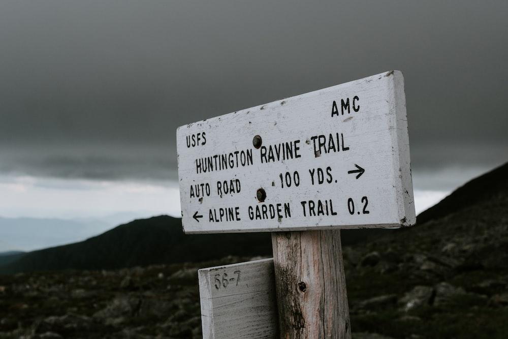 Huntington Ravine Trail signage