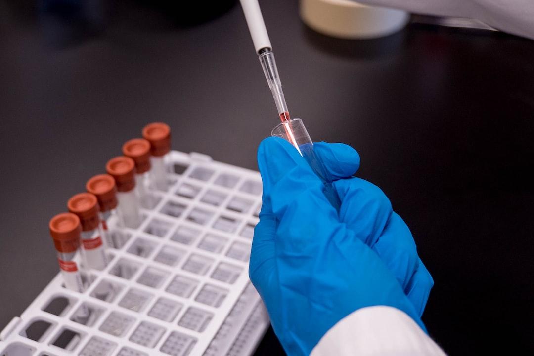 Nová vakcína je první lék kompletně vyvinutý umělou inteligencí