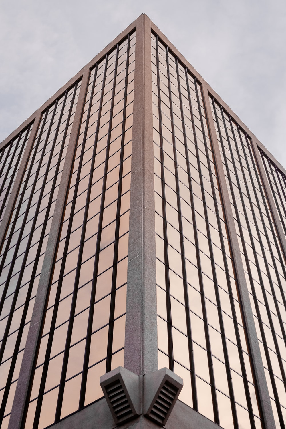 gray curtain-wall building