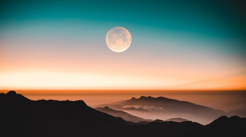 Channel the New Moon in Leo with these 5 Self Care Rituals