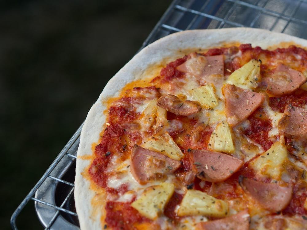 baked Hawaiian pizza