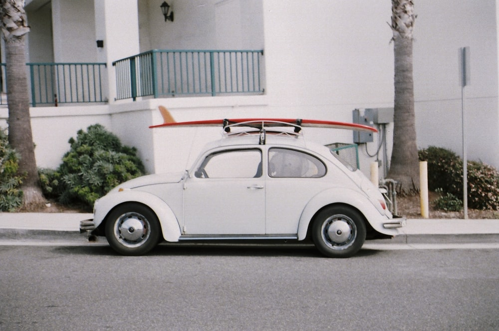 white Volkswagen Beetle coupe