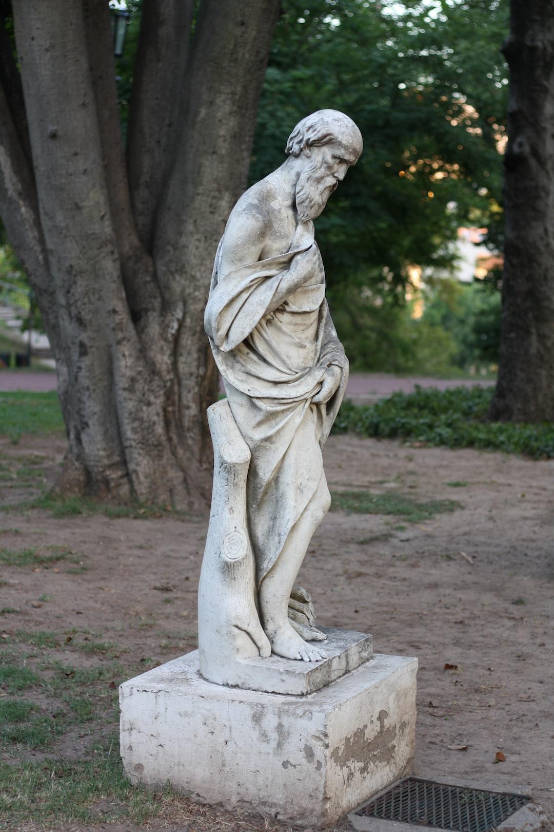 sculpture in Lezema Park