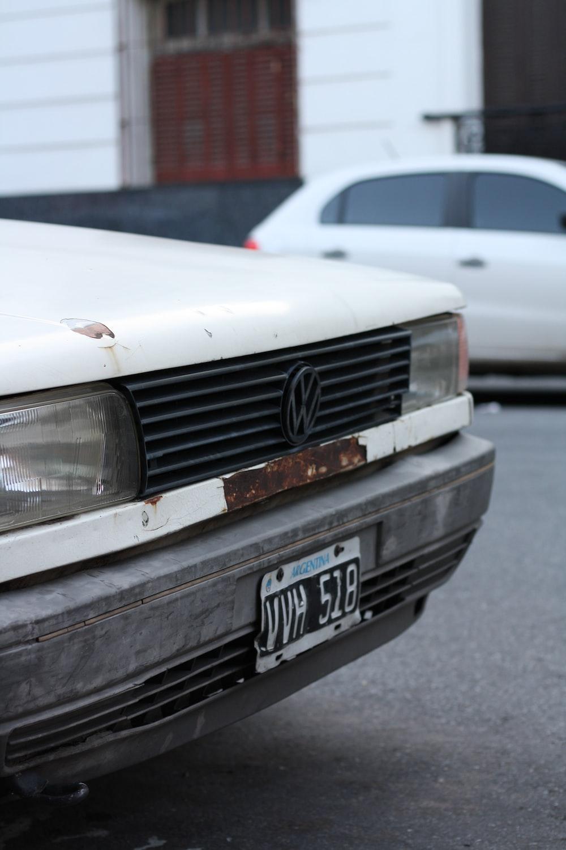 whiteVolkswagen vehicle grille