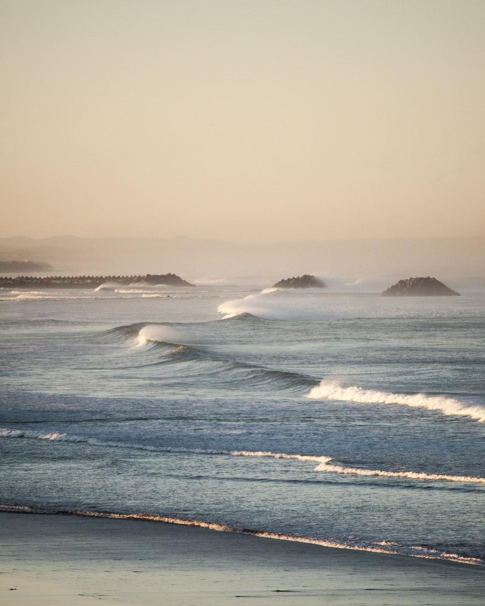 waver waves during daytime