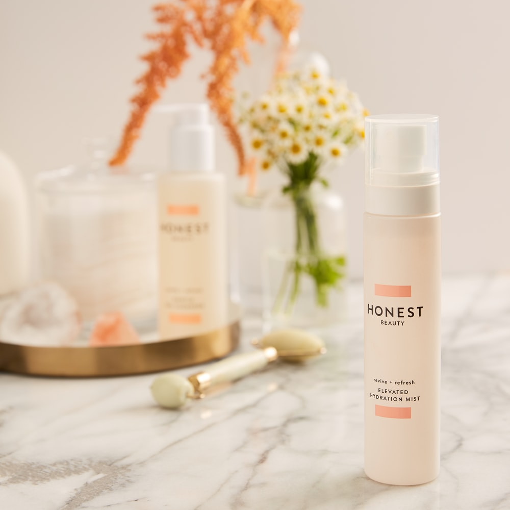 Honest beauty spray bottle