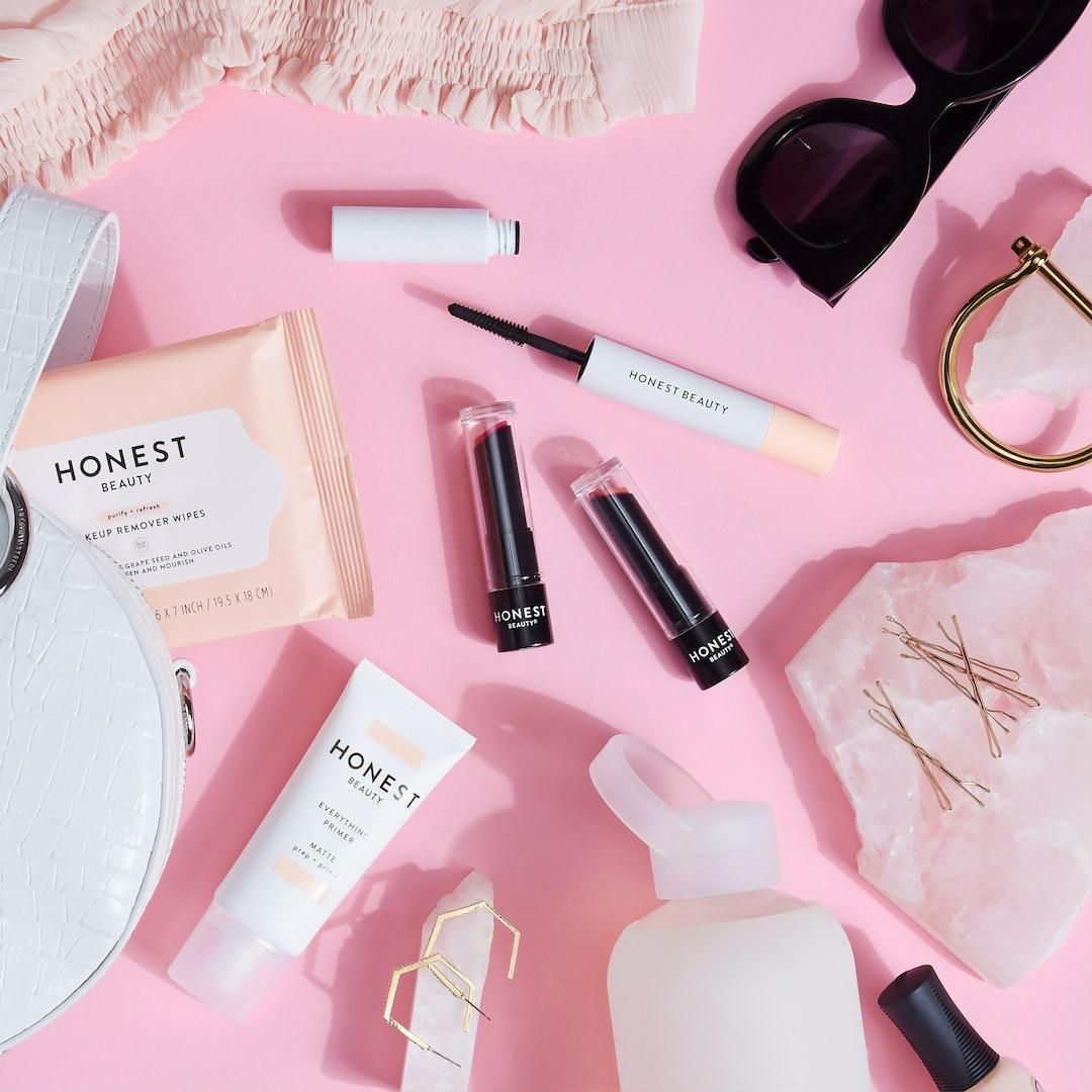 『【3分で徹底解説】2019年の化粧品業界|売上高・年収ランキングや業界の今後を解説』の画像