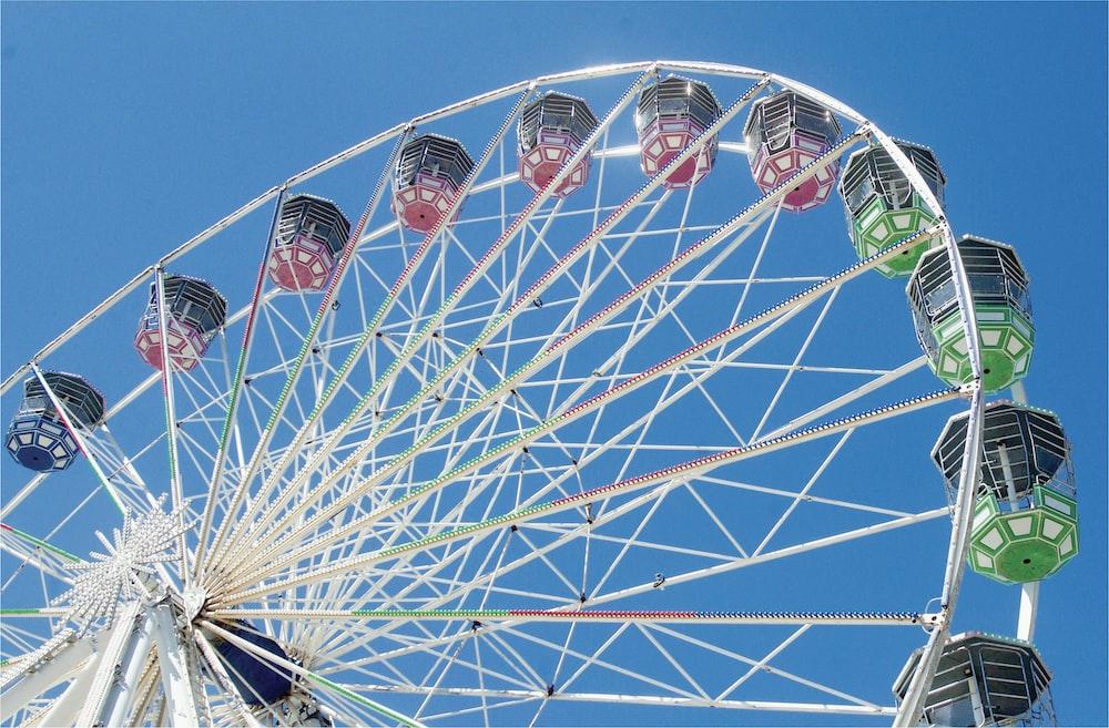 gray ferris wheel during daytime