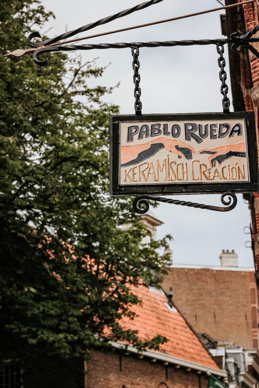 Pablo Rueda Keramisch Creacion signage