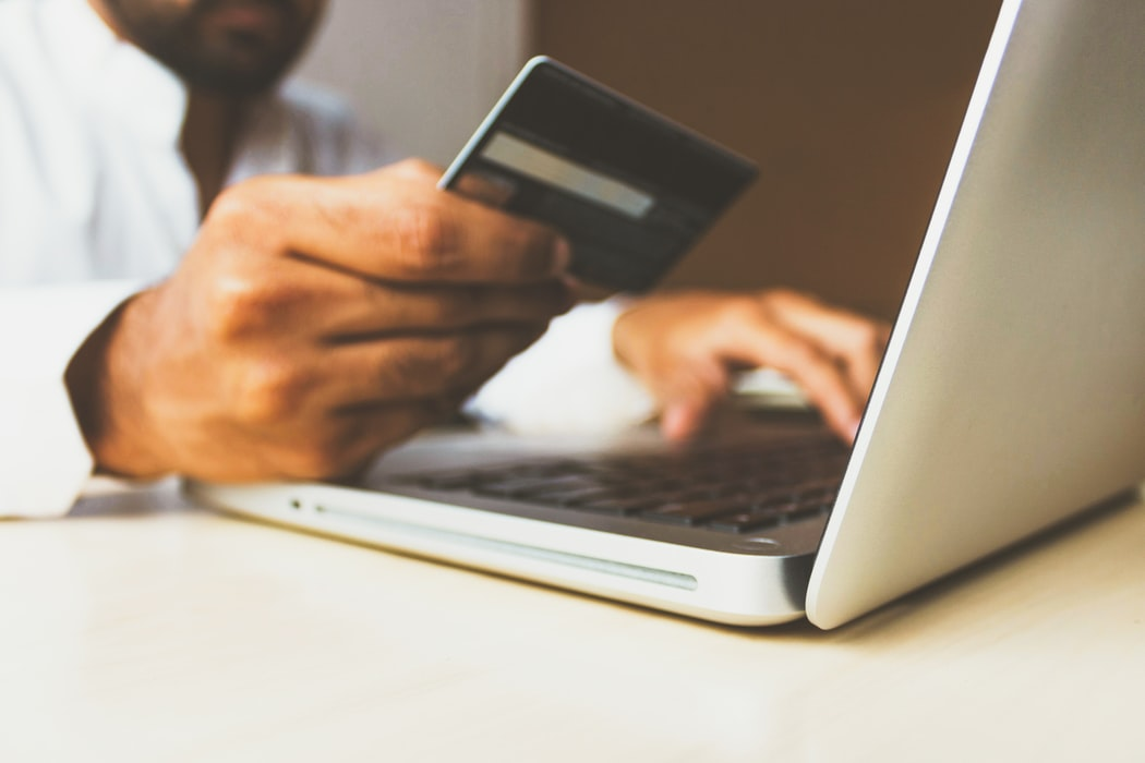 2020-5 Two Credit Cardholders, One Account: How to Manage Your Transactions