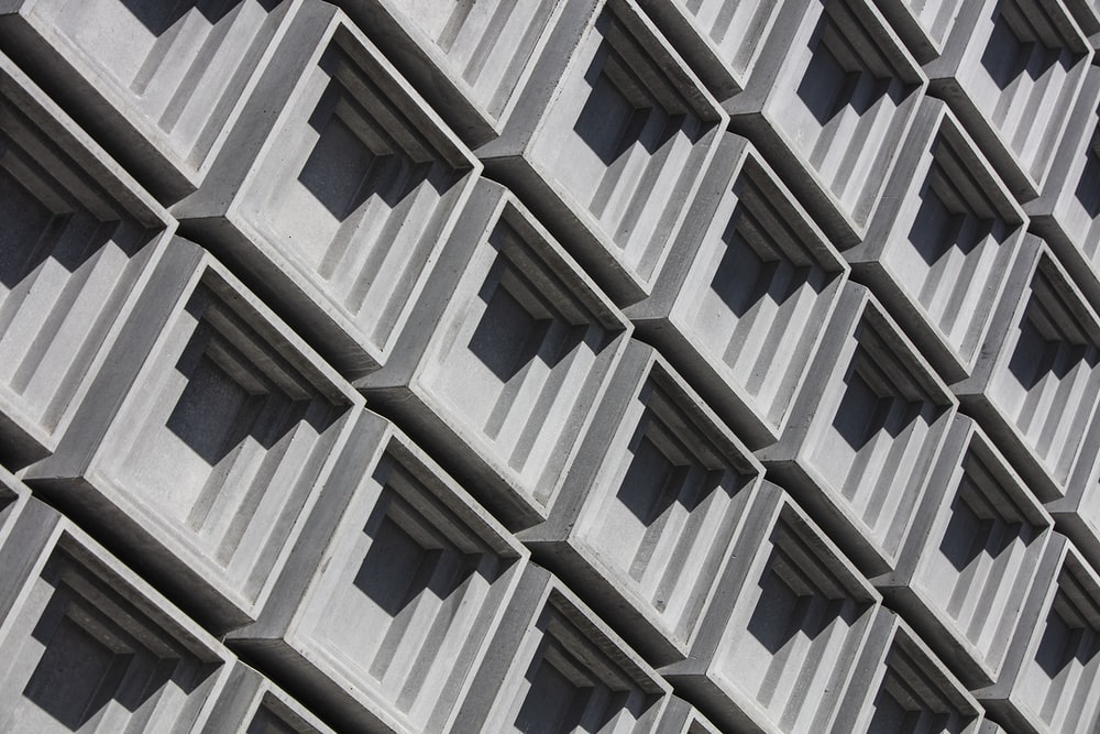 close-up photo of gray building