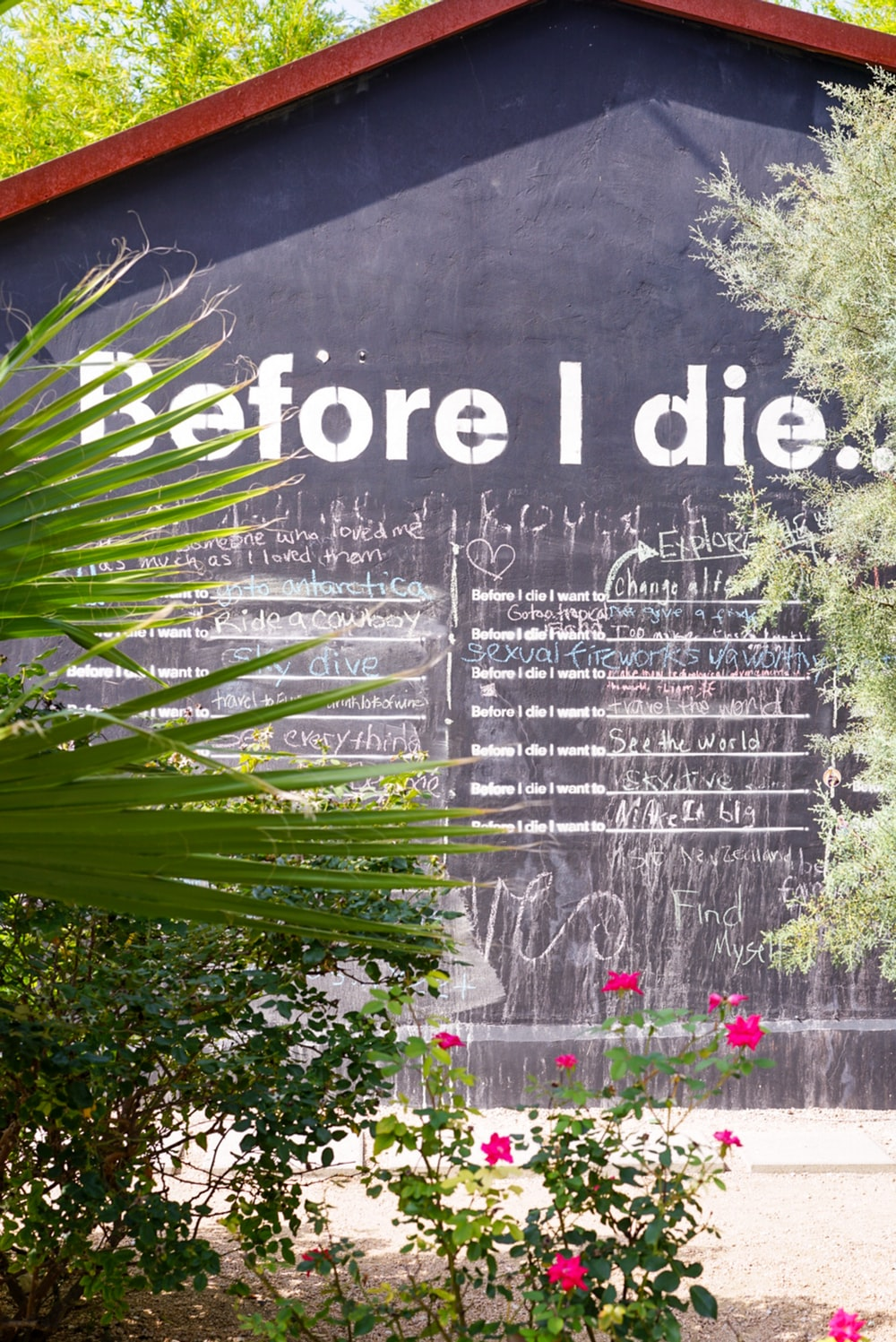 Before I die building sign