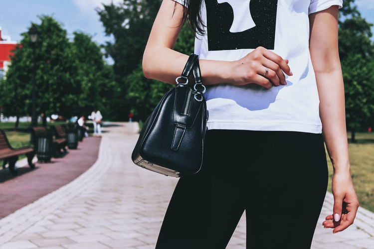 How To Maintain The Shape Of Your Leather Bags