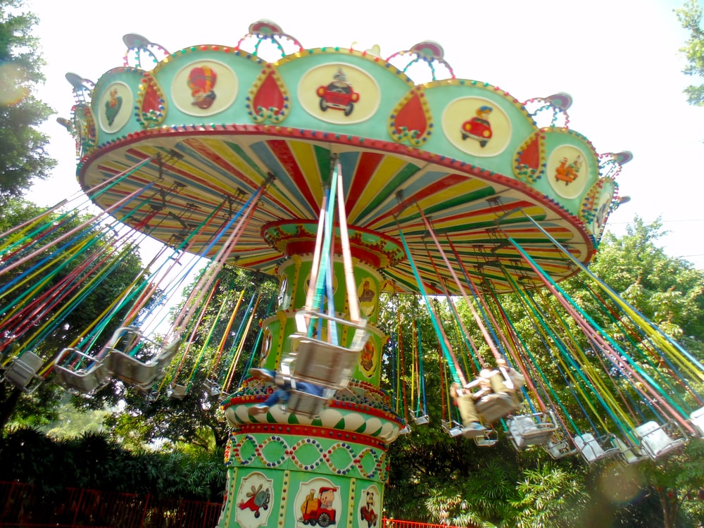 green and red carousel