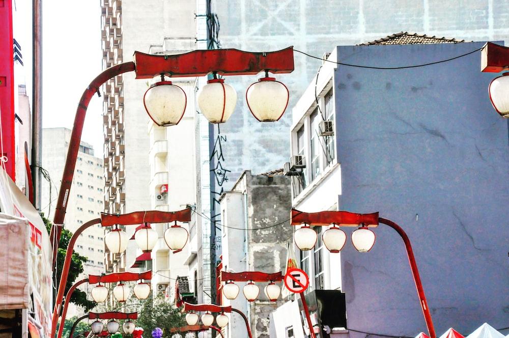 shallow focus photo of white lanterns