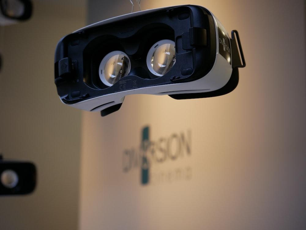 black and white VR glasses