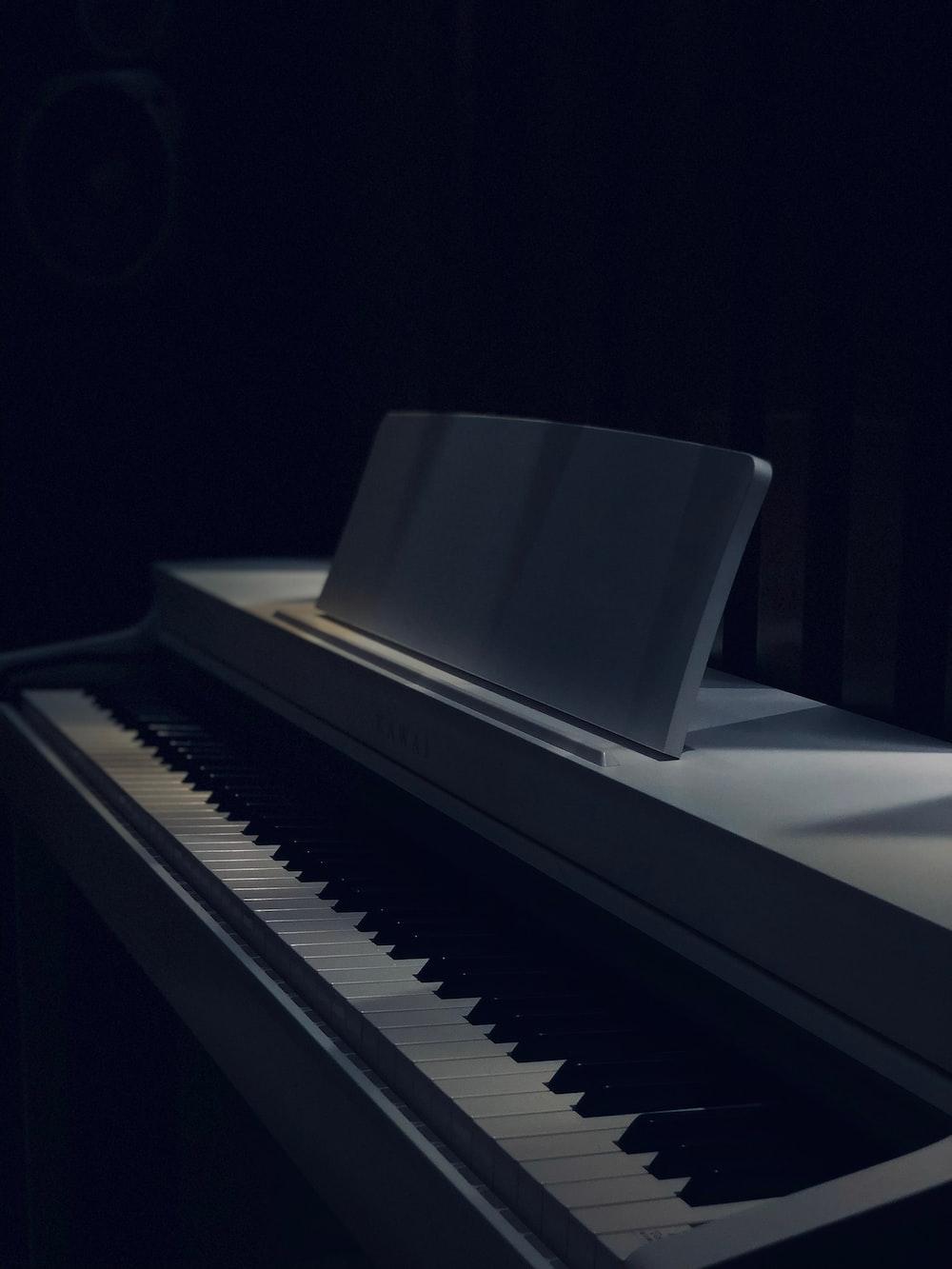 white and black grand piano