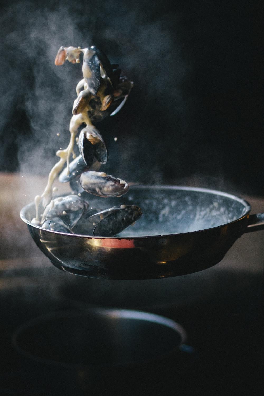 black frying pan