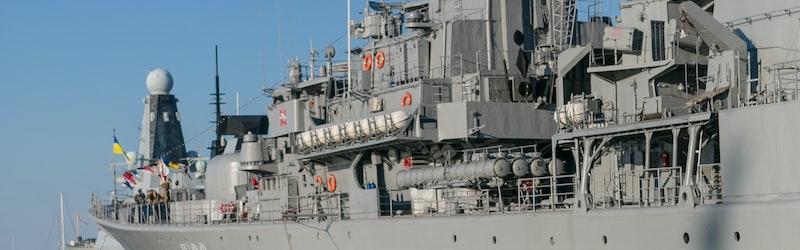 エリート海上自衛官がデリヘル経営で懲戒免職。彼はなぜ風俗経営に手を染めたのか。