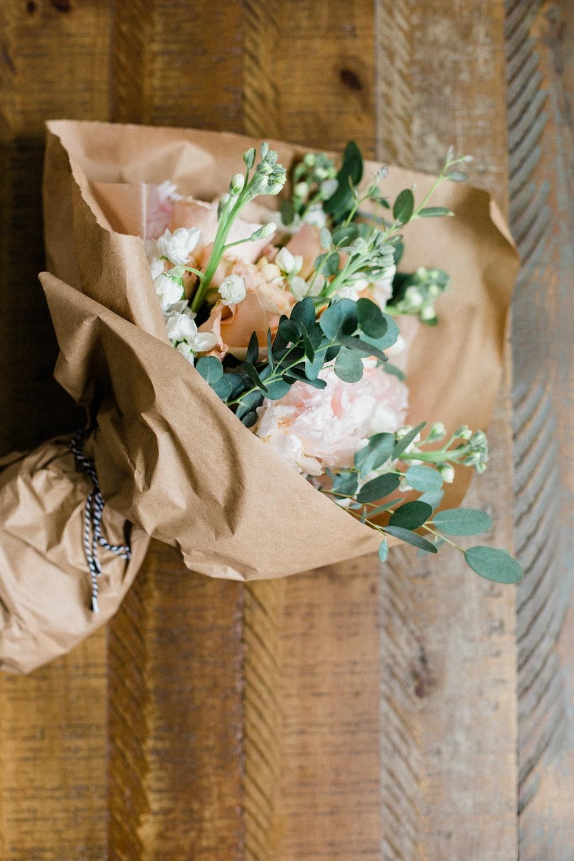 beige flower bouquet