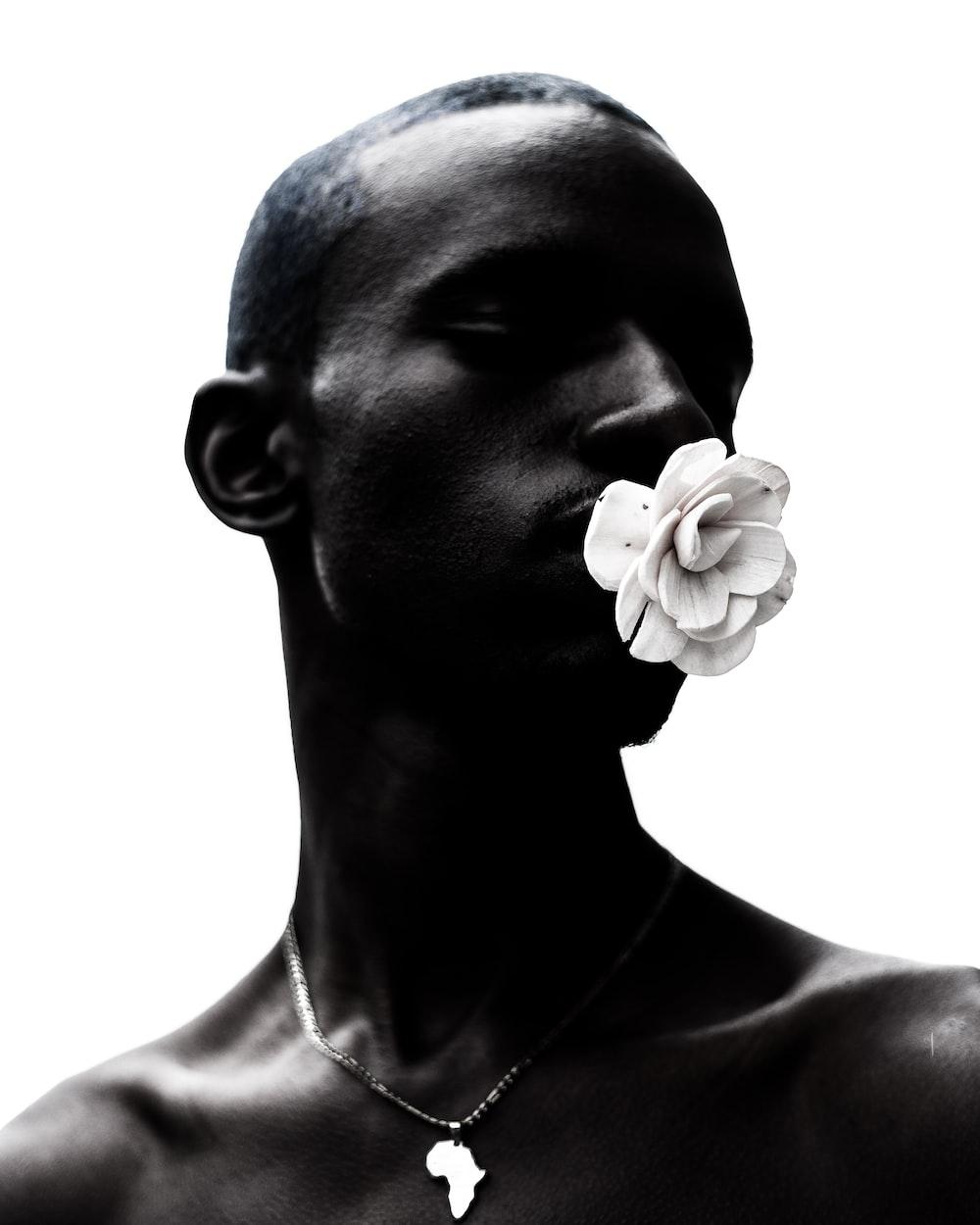 man face close-up photography