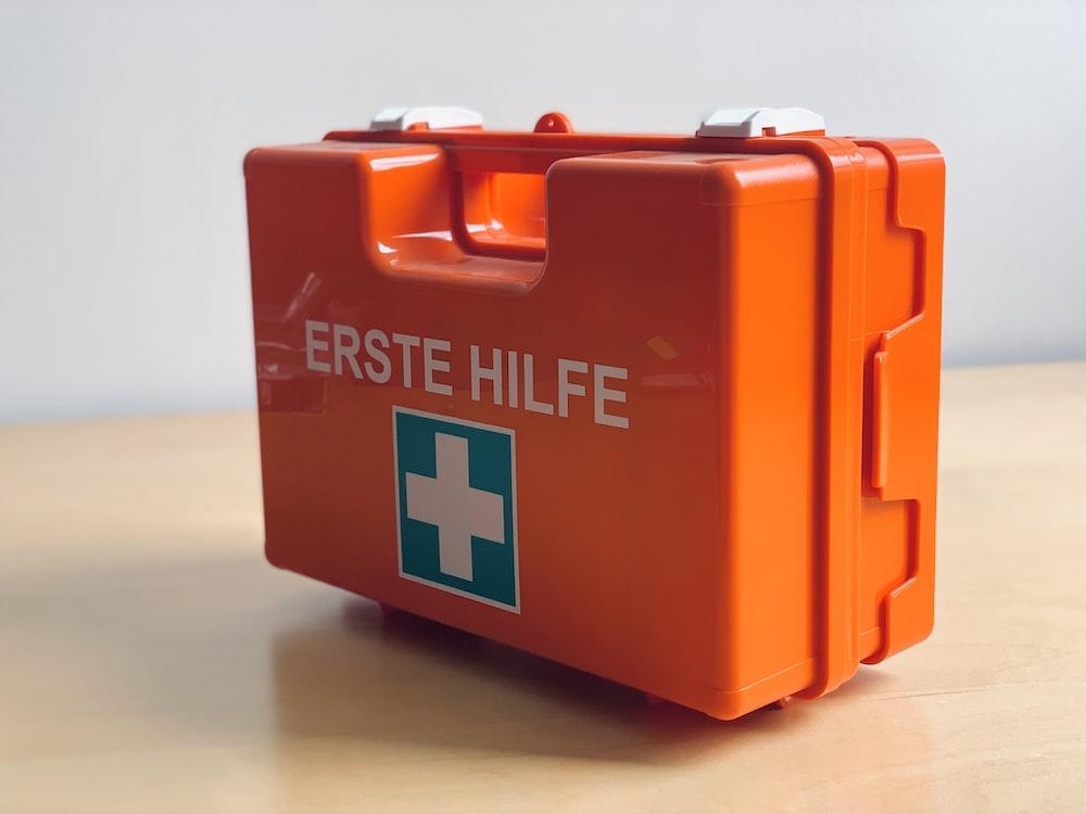 orange Erste Hilfe med kit