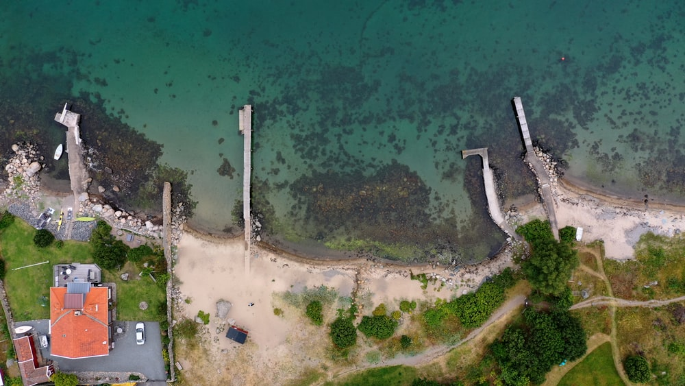 bird's-eye view of docks during daytime