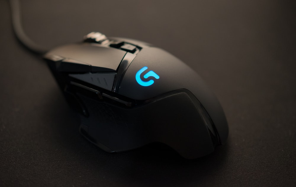 black Logitech corded mouse