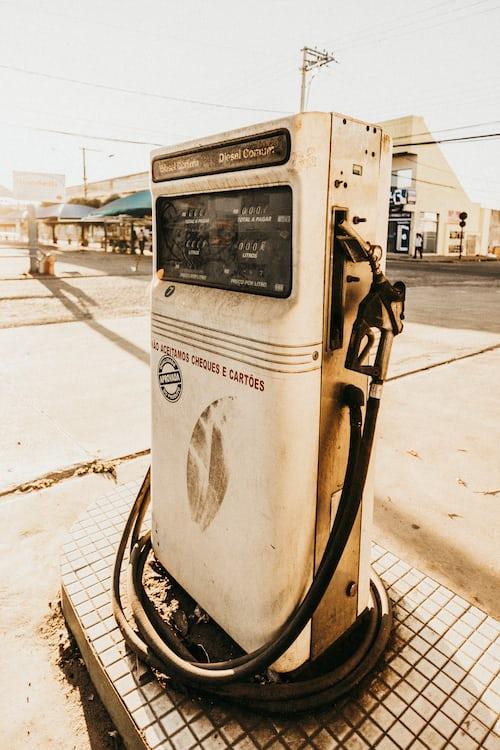 hydronic heat pump system
