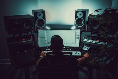 DJ Tech Reviews photo 1563330232 57114bb0823c?ixlib=rb 1.2