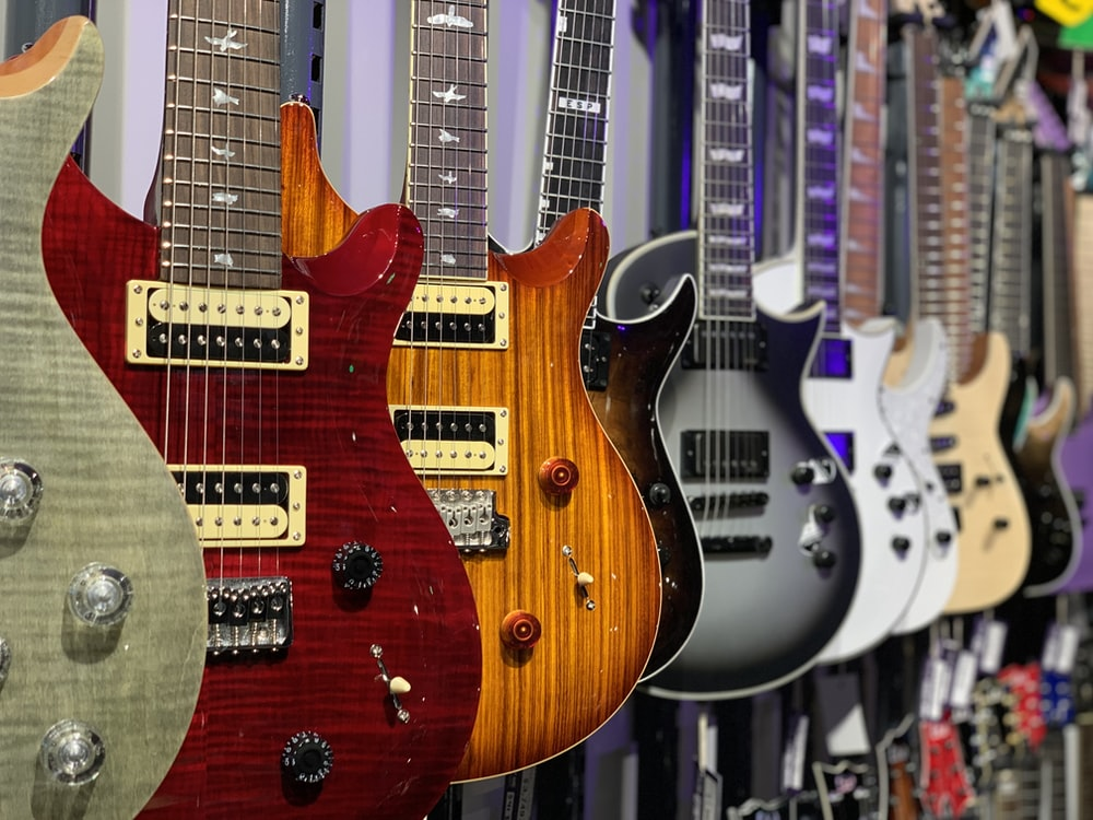 assorted-color electric guitar lot