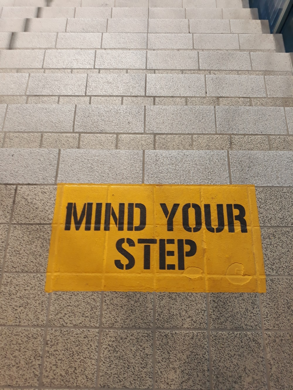 mind your step signage on stairs