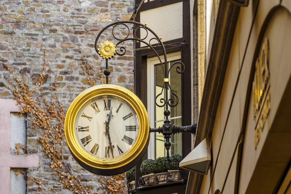 Preserve Time: The Top Five Essential Antique Clocks You Must Have