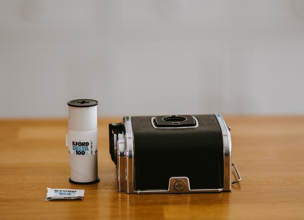 Hasselblad 500cm back with Ilford 120      HD photo by Annie Spratt