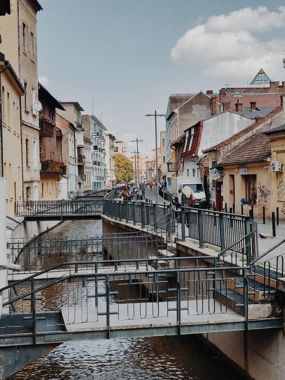 bridges in city