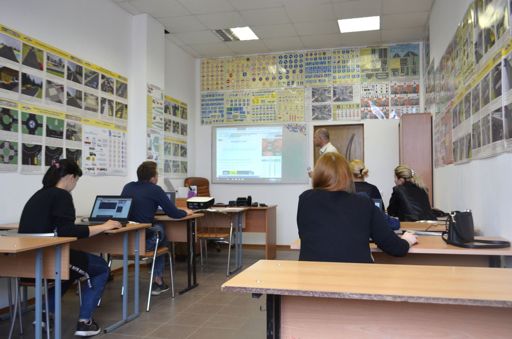 School Desk Pictures | Download Free Images on Unsplash