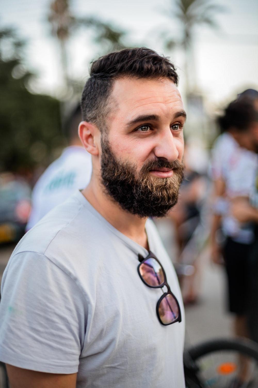 man wearing grey crew-neck t-shirt