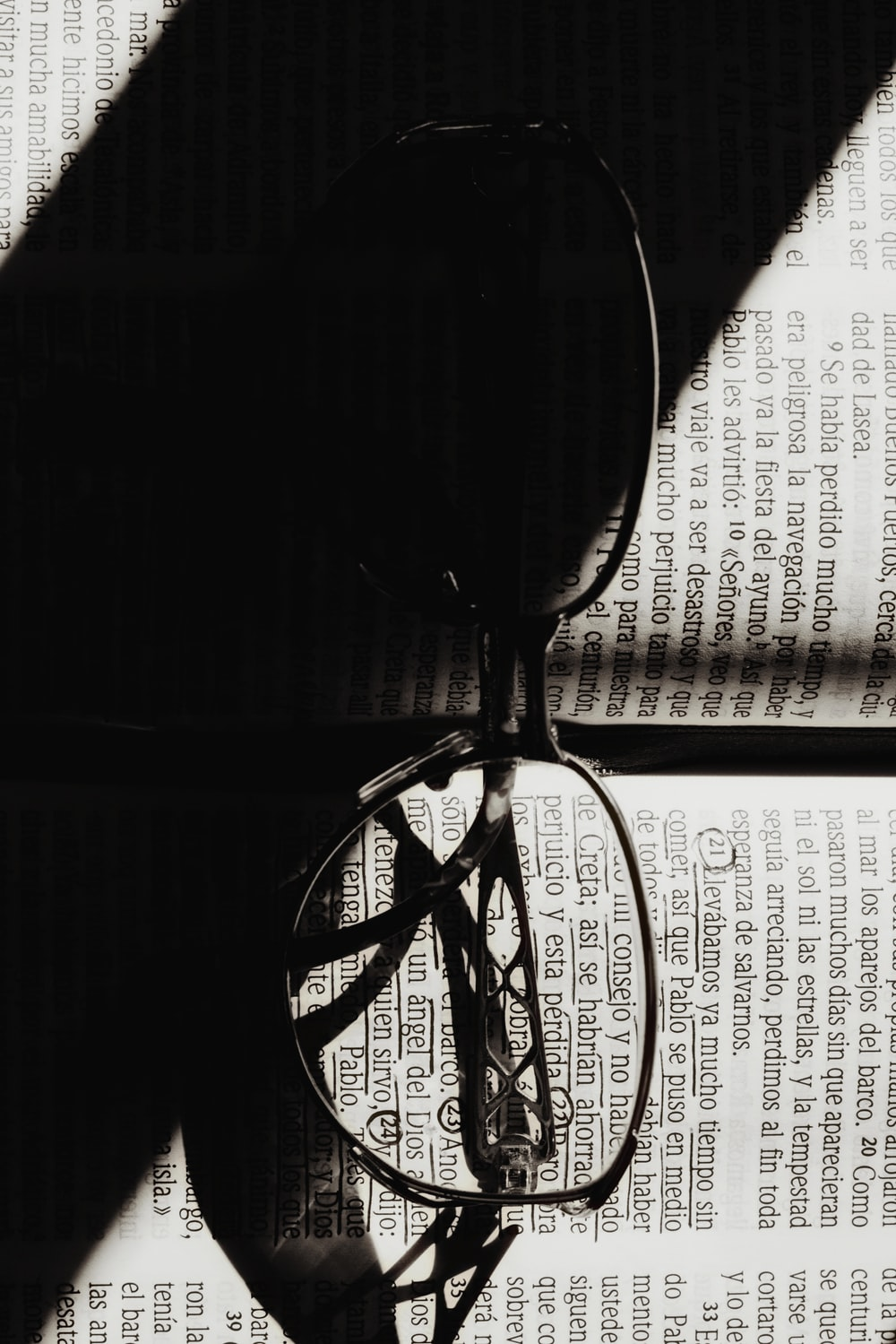 `black framed eyeglasses